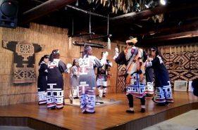 아이누 민족 박물관, 시라오이(白老) 포로토코탄에서 아이누 문화를 만나다