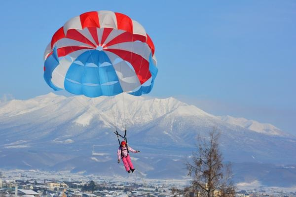 furano-winter-play-parasailing-33_r