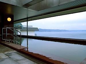 洞爺湖を望む温泉
