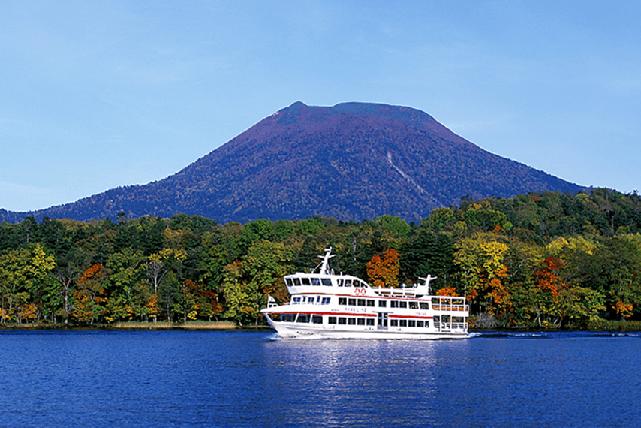 Lake Akanの観光船