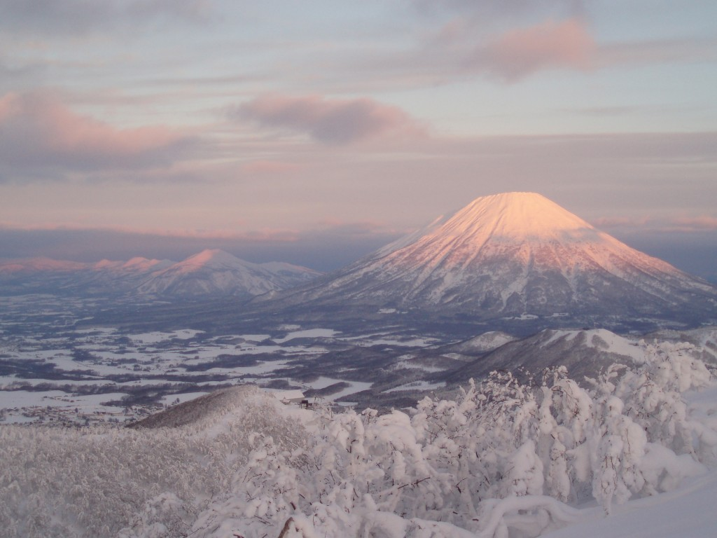 mt.yotei-from-rusutsu