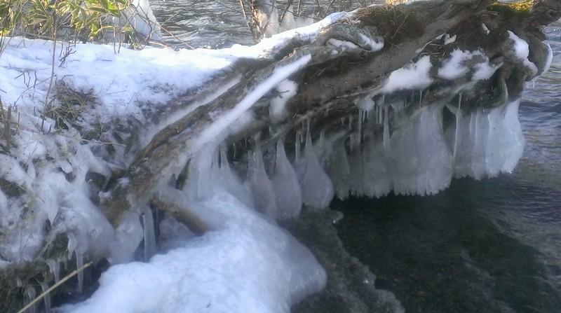 artistic-ice-kushiro-river