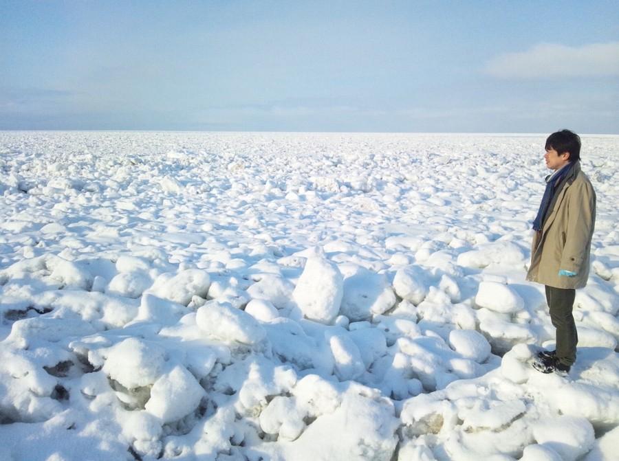 流氷に立つ筆者