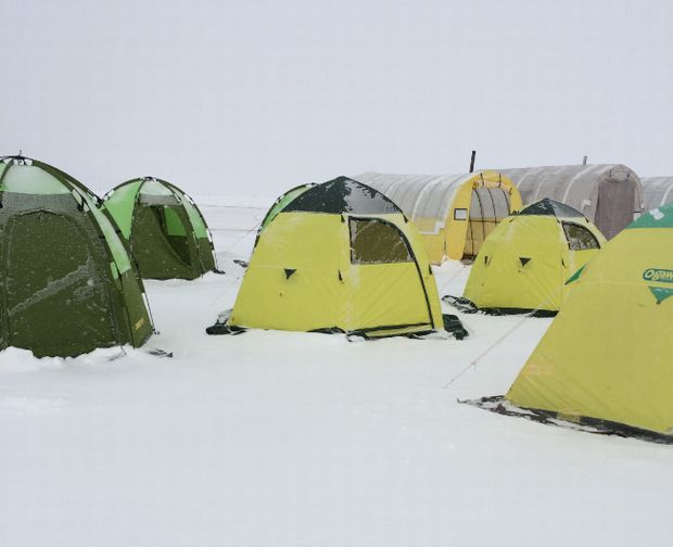 ice-land-akan-tent-site