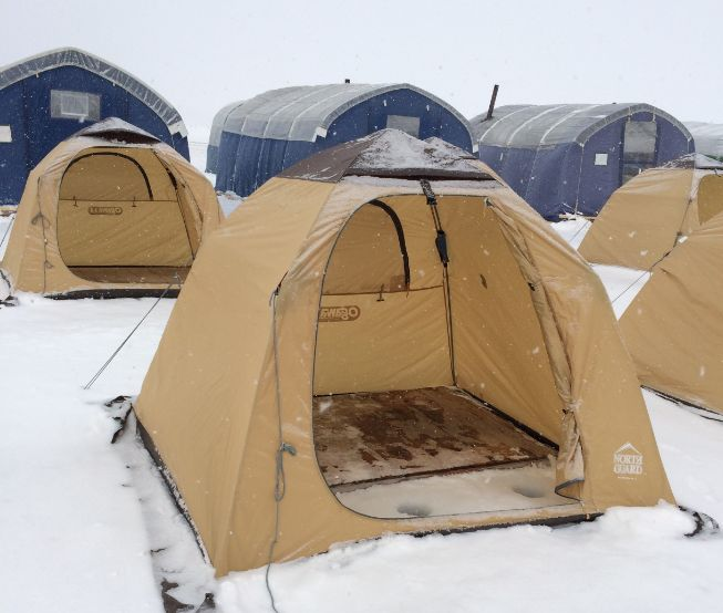 ice-land-akan-tent