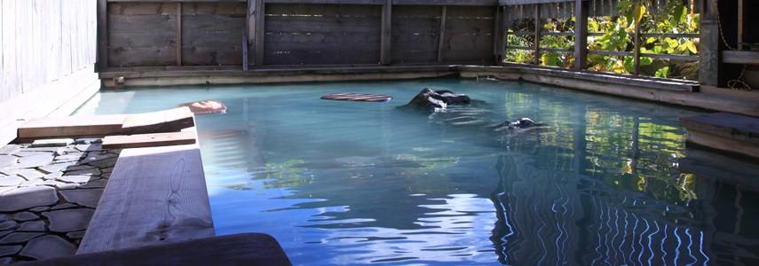 五色温泉旅館の露天風呂
