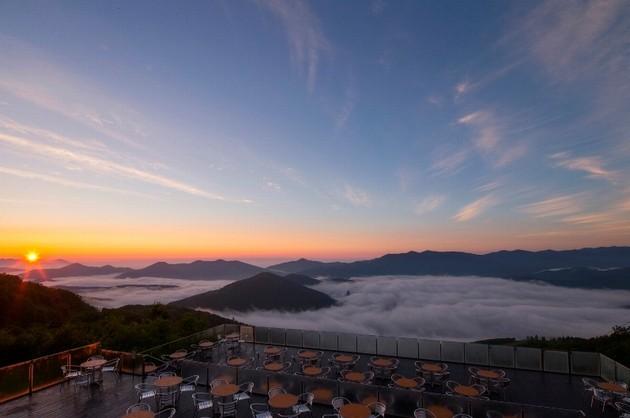 雲海テラスの朝焼け
