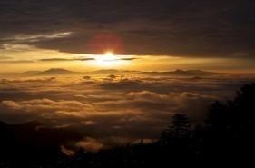 日本一のカルデラ、屈斜路湖に広がる絶景の雲海【津別峠・美幌峠・摩周湖展望台・藻琴山】