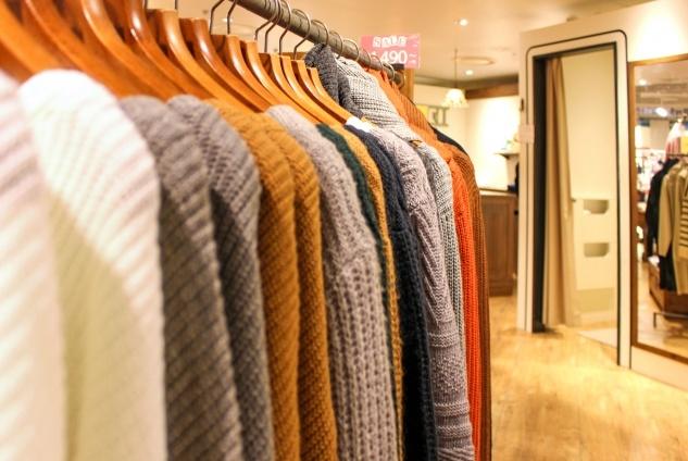 秋の服装のイメージ