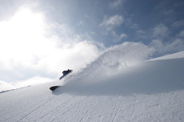トマムスキー場でスノーボード