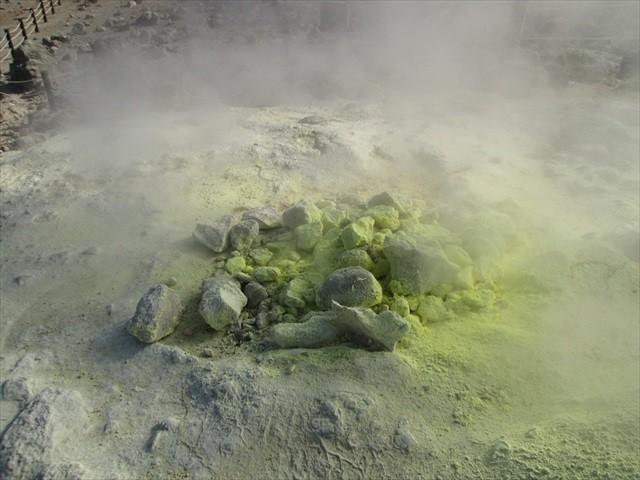 硫黄山の硫黄