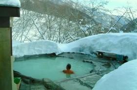 やっぱり冬は雪見風呂に入りたい!北海道で叶う雪見温泉8選!