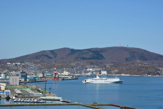 北海道・小樽港とフェリー