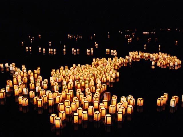 北海道 大沼湖水まつり 灯ろう流し