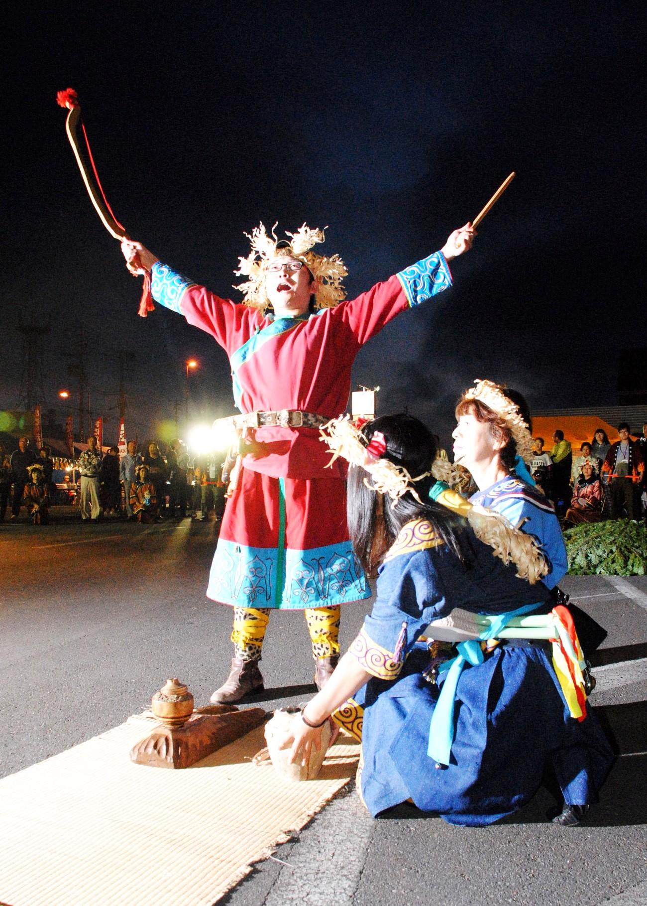 北海道 オロチョンの火祭り