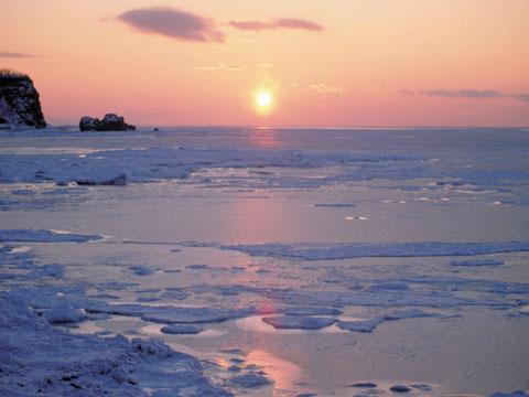 網走市、紋別町の流氷