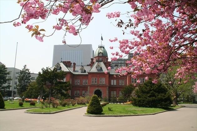 北海道庁旧本庁舎 春