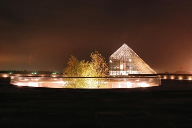 """モエレ公園 ガラスのピラミッド """"HIDAMARI""""ライトアップ"""