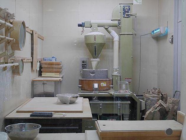 手打ちの十割蕎麦の機械