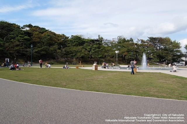 昼の函館公園
