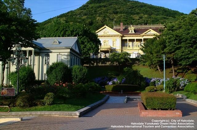 公会堂と元町公園
