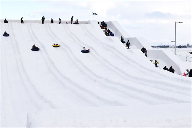 さっぽろ雪まつり つどーむ会場滑り台