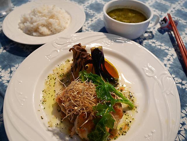レストラン Blé かすべのムニエル香草オリーブソース