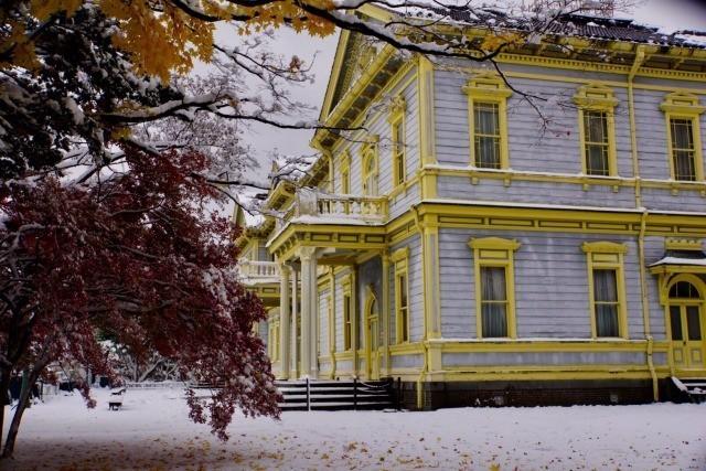 公会堂雪と紅葉