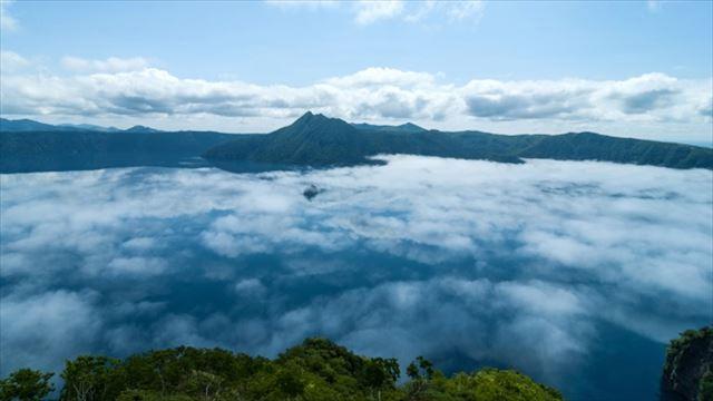 雲海の摩周湖