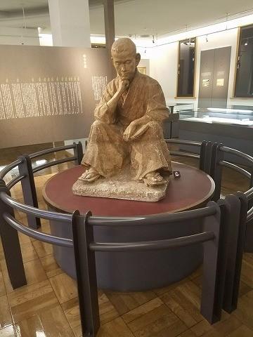 文学館の石川啄木像
