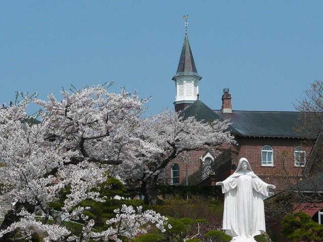 春のトラピスチヌ修道院