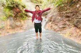 大湯沼川の天然足湯に海外から観光客が殺到!【登別温泉】