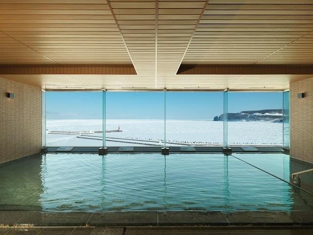 北こぶし 展望大浴場から流氷を臨む