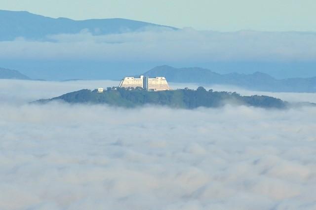 ウインザーホテル洞爺 外観 雲海