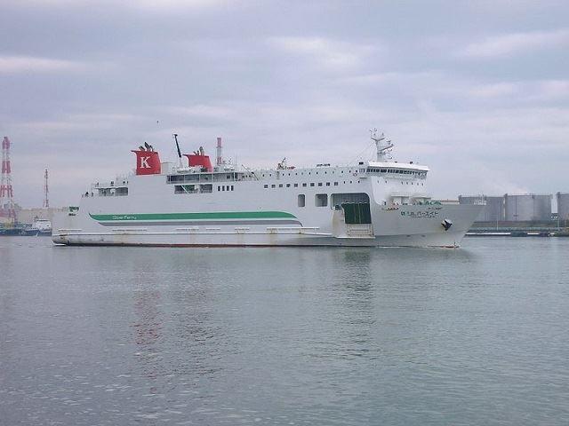 川崎近海汽船 シルバーエイト 苫小牧港