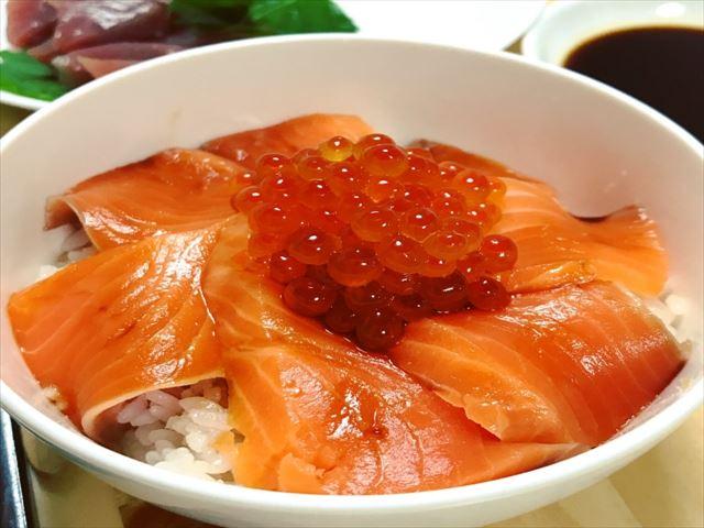 北海道 鮭親子丼 いくら