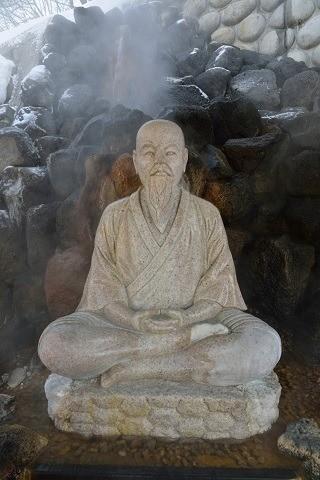 定山渓温泉 修行僧の像
