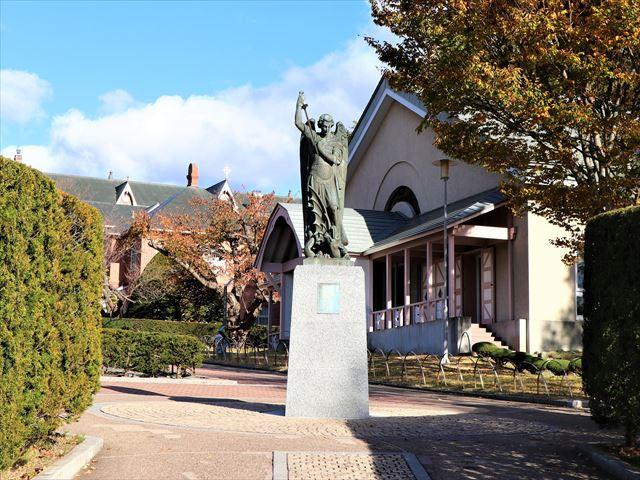 函館 トラピスチヌ修道院 聖ミカエル像