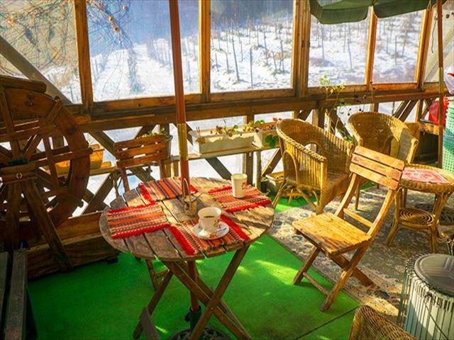 ばんけい峠のワイナリー テラスカフェ