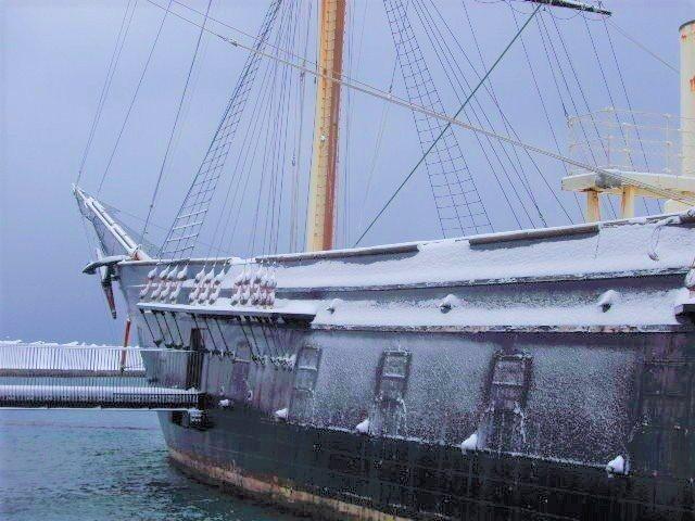 北海道 船 雪に覆われた開陽丸