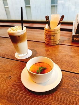 ワールドブックカフェ 自家製カタラーナ