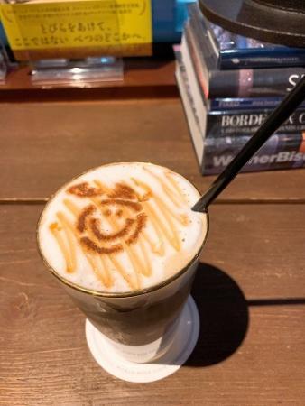 ワールドブックカフェ ラテアート