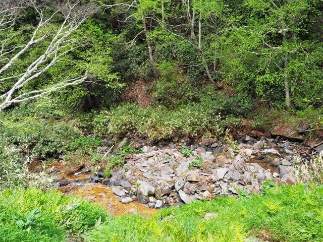 吹上露天の湯 谷 川