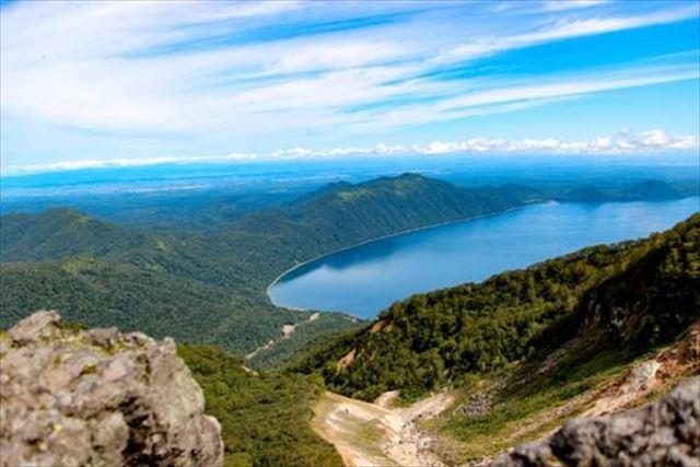 北海道 登山 中上級 恵庭岳から望む湖