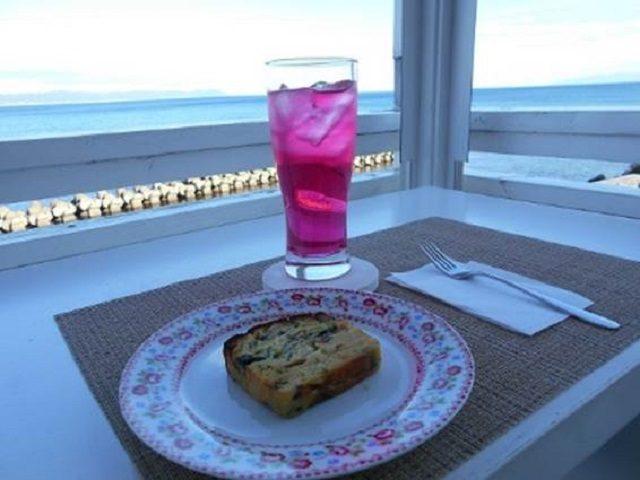 海と硝子 茜色レモンソーダとケークサレ