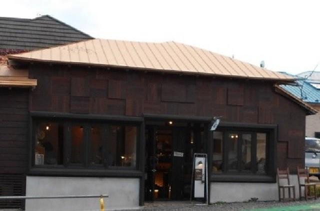 函館 カフェ カフェD'ici 函館山ロープウェイの乗り場の近く南部坂にある  レトロな家具や雑貨