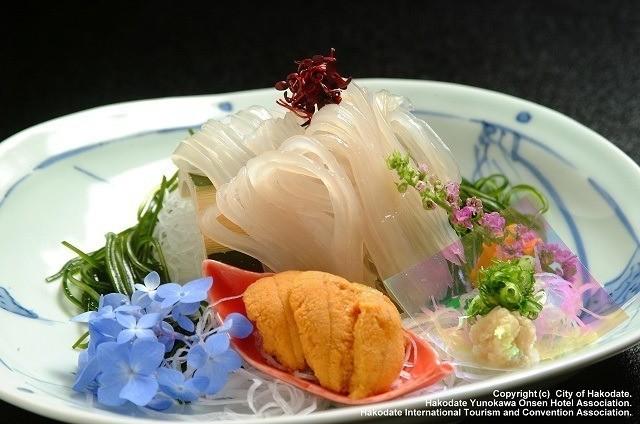函館 センチュリーマリーナ するめいかとウニの刺身 ホテルおすすめの食事処