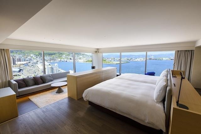 函館 センチュリーマリーナ 客室から見える絶景 海の見える部屋 広々とした贅沢な部屋 ガラス張りの客室