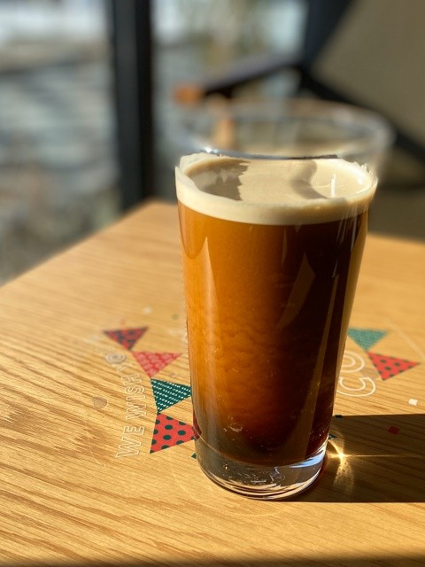 函館 スターバックス まるでビールのような見た目のコーヒー