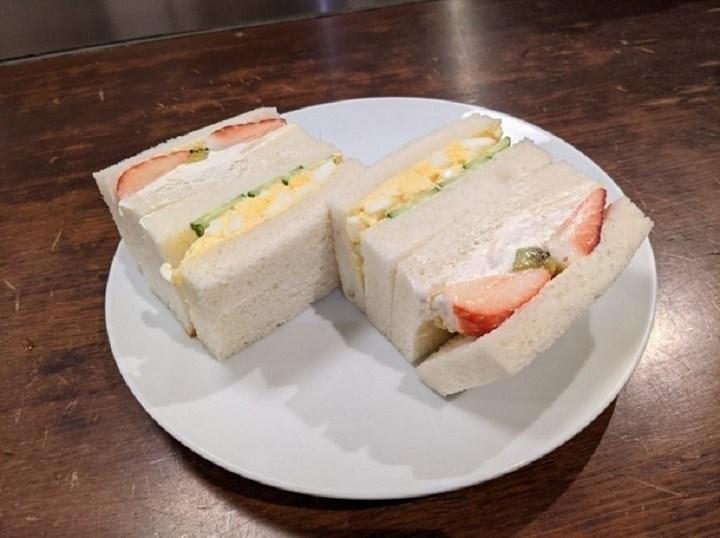 札幌 フルーツサンド サンドイッチの店 さえら